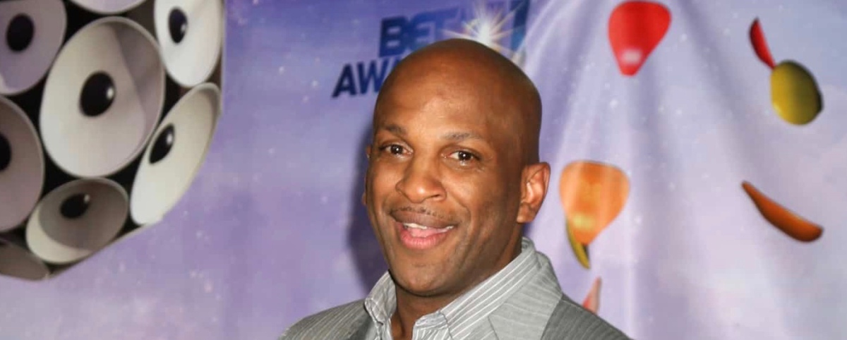 Donnie McClurkin Crashes Car After Losing Consciousness While Driving