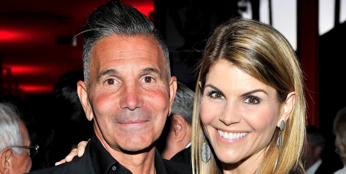 Lori Loughlin's Daughter Olivia Giannulli Said Father 'Faked His Way' Through  College